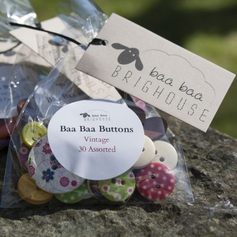 Baa Baa Buttons – 30 Assorted Vintage Buttons